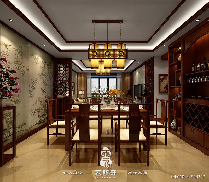 洁白的床品在沉稳的空间中显得安静、平和,墙面上的灰色壁纸以及床头两边的隔断作为配饰,除了彰显经典之外,还与白色的床品、收纳柜一起,将一种优雅的气质深入空间,横穿墙面的镜子不仅中和了墙面的单调与乏味,还丰富了空间的视觉内容。 本案以新中式风格为主格调来打造的三室两厅装修的样板房,内部融合了中国风情,阐述了一种新的生活方式。
