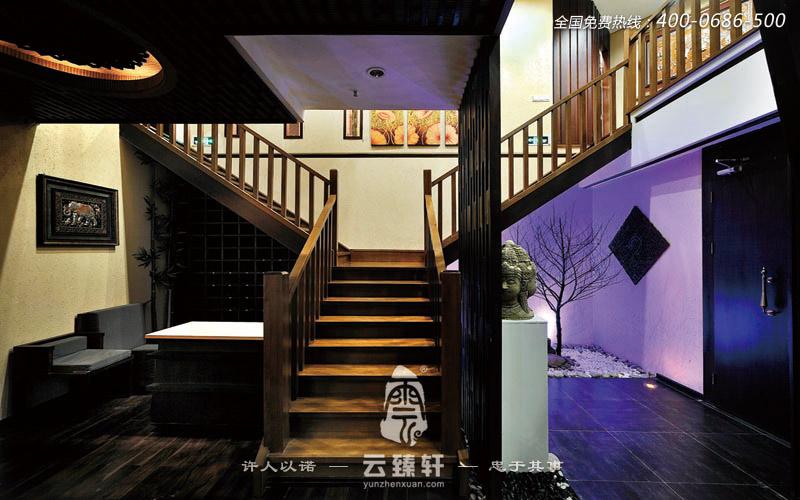 制作的木制楼梯