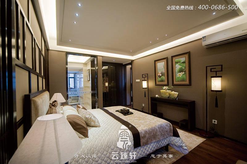 简约中式风格      主人卧室的装修效果图看上去没有纯粹的元素堆棚