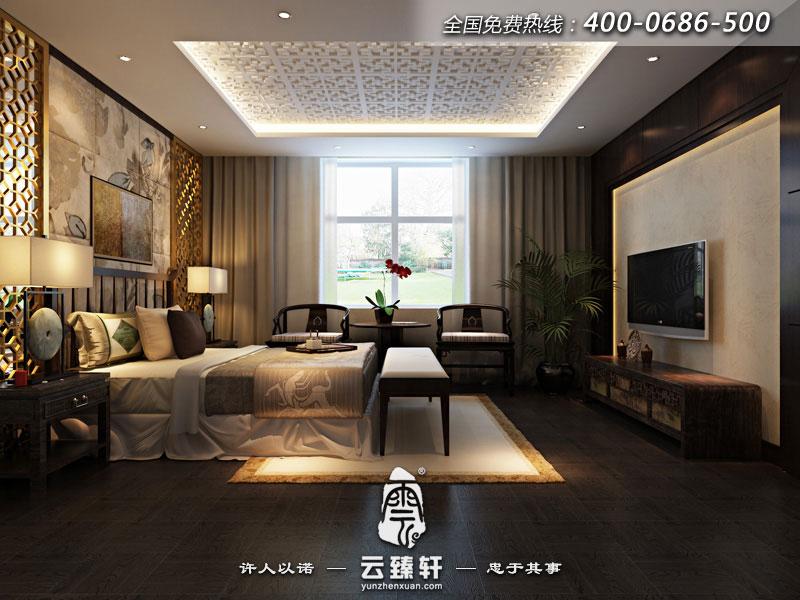 调简单雕花装饰的中式家具,贵重,大 气,很好的迎合了深色调的格纹地板